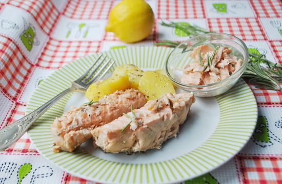 лосось запеченный с розмарином