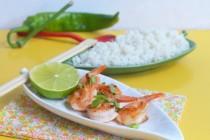 Креветки с лаймом и кокосовый рис