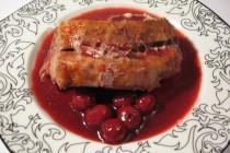 Свиная корейка с вишневым соусом