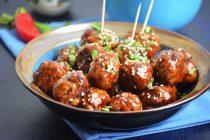 Мясные шарики в соусе терияки с кунжутом