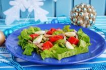 Салат из запеченного перца с языком и коньячной заправкой