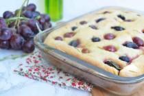 Тосканский пирог с виноградом и розмарином
