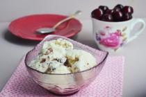 Мороженое с черешней и белым шоколадом