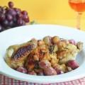 цыпленок с виноградом