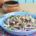 Салат из сельдерея с сушеной клюквой и миндалем