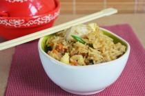 Вьетнамский жареный рис с курицей
