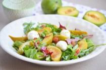 Салат со сливами и мягким сыром