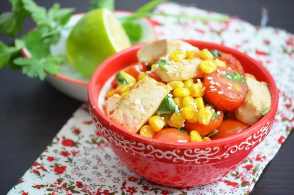 Тофу с кукурузой и помидорами