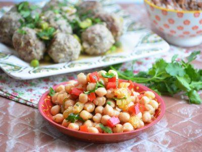 салат из маринованного нута и болгарского перца