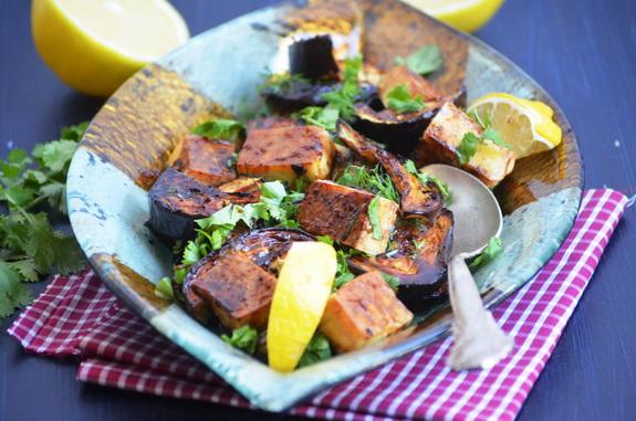 баклажаны с тофу в гранатовом соусе