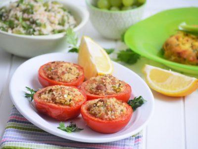 помидоры с кус кусом и тунцом