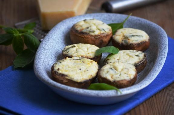 шампиньоны с сыром и зеленью