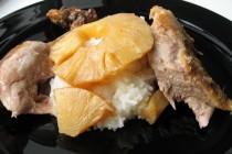 Утка, тушенная с ананасами