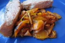 Лосось в горчице и соевом соусе с карамелизированной морковью