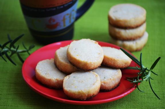 сырное печенье с розмарином