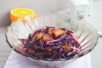 Салат из краснокочанной капусты со свеклой и апельсинами