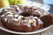 Шоколадно-творожный пирог с грушами