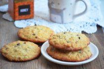 Овсяное печенье с орехами и шоколадом