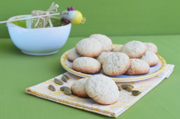 печенье с кокосом и кардамоном