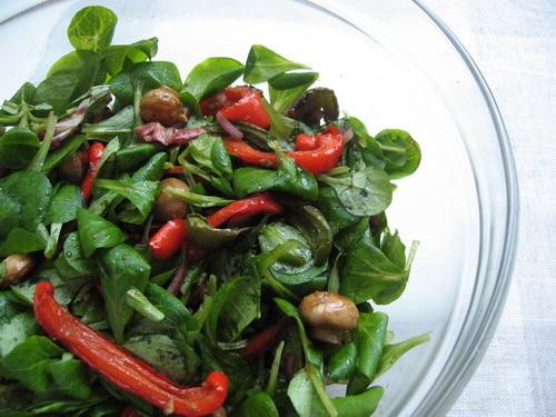 Салат из корна, шампиньонов и перца