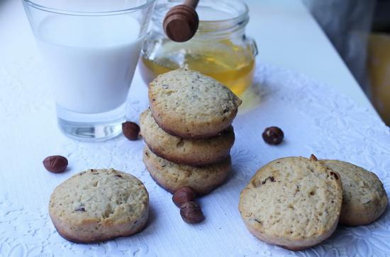 Медовое печенье с орехами