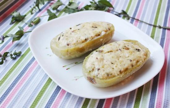 Кабачки, фаршированные адыгейским сыром, мятой и фисташками