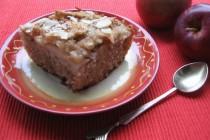 Яблочный кекс с пропиткой на манке