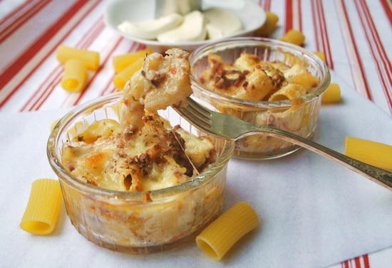 Запеченные макароны с сыром и мясным соусом (Mac and cheese)