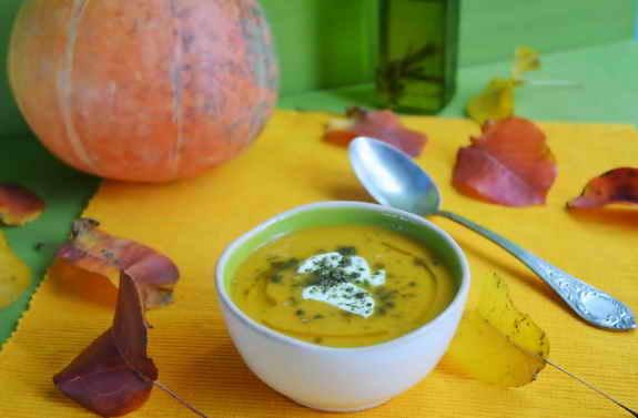 тыквенный суп с йогуртом и заатаром