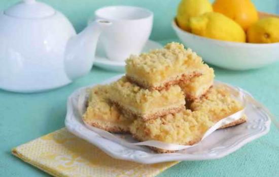 Квадраты с лимонным заварным кремом и штрейзелем