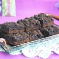 шоколадный пирог со смородиной