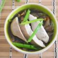 азиатский суп с грибами и курицей