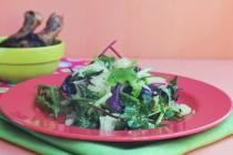 Салат с помело и песто из арахиса и кешью