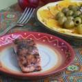 лосось с соусом нашараб и черным перцем