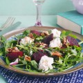 салат со свеклой и рукколой