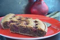 Шоколадный пирог с вишней и франжипаном из грецких орехов
