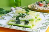 Итальянский салат из отварных кабачков