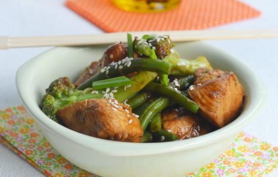 Курица с брокколи и спаржевой фасолью по-китайски