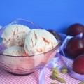 мороженое со сливой и кардамоном