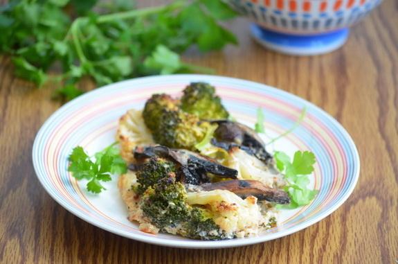 запеканка с цветной капустой, брокколи и грибами