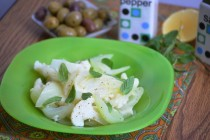 Салат из фенхеля, сельдерея и цветной капусты