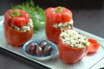 Перцы, фаршированные рисом, зеленью и чечевицей
