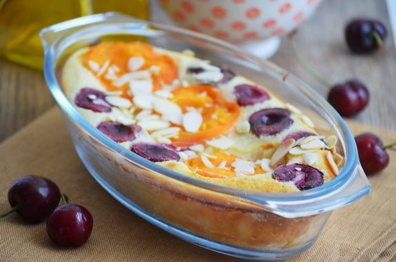 клафути с абрикосами и черешней