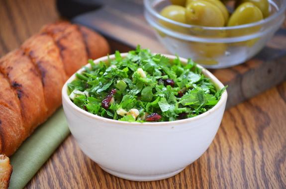израильский салат из зелени